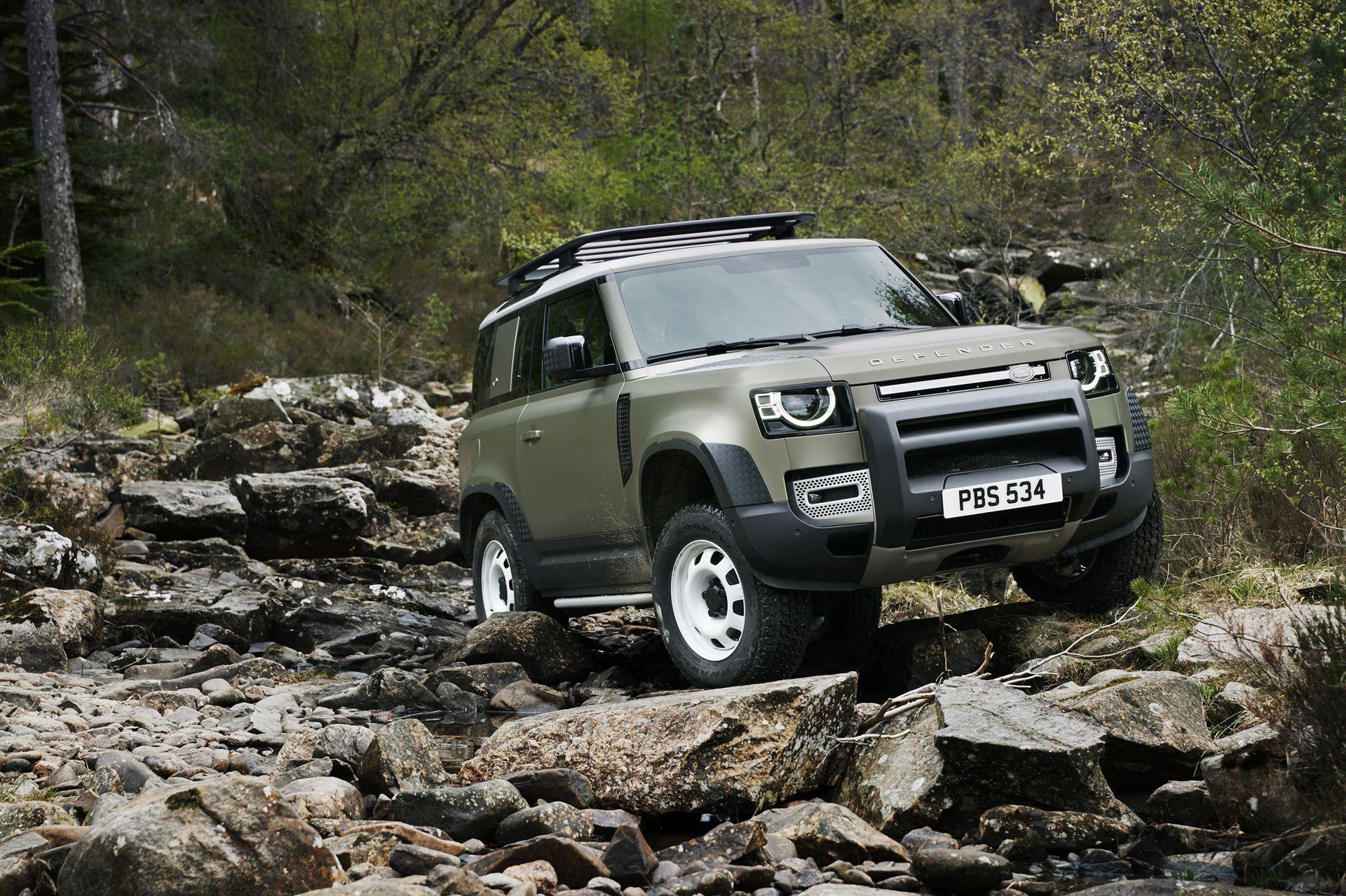 Land Rover Defender 2020 1