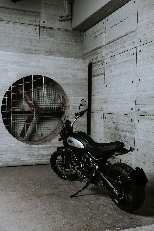 My20 Ducatiscrambler Icon Dark 18 Uc101436 Mid