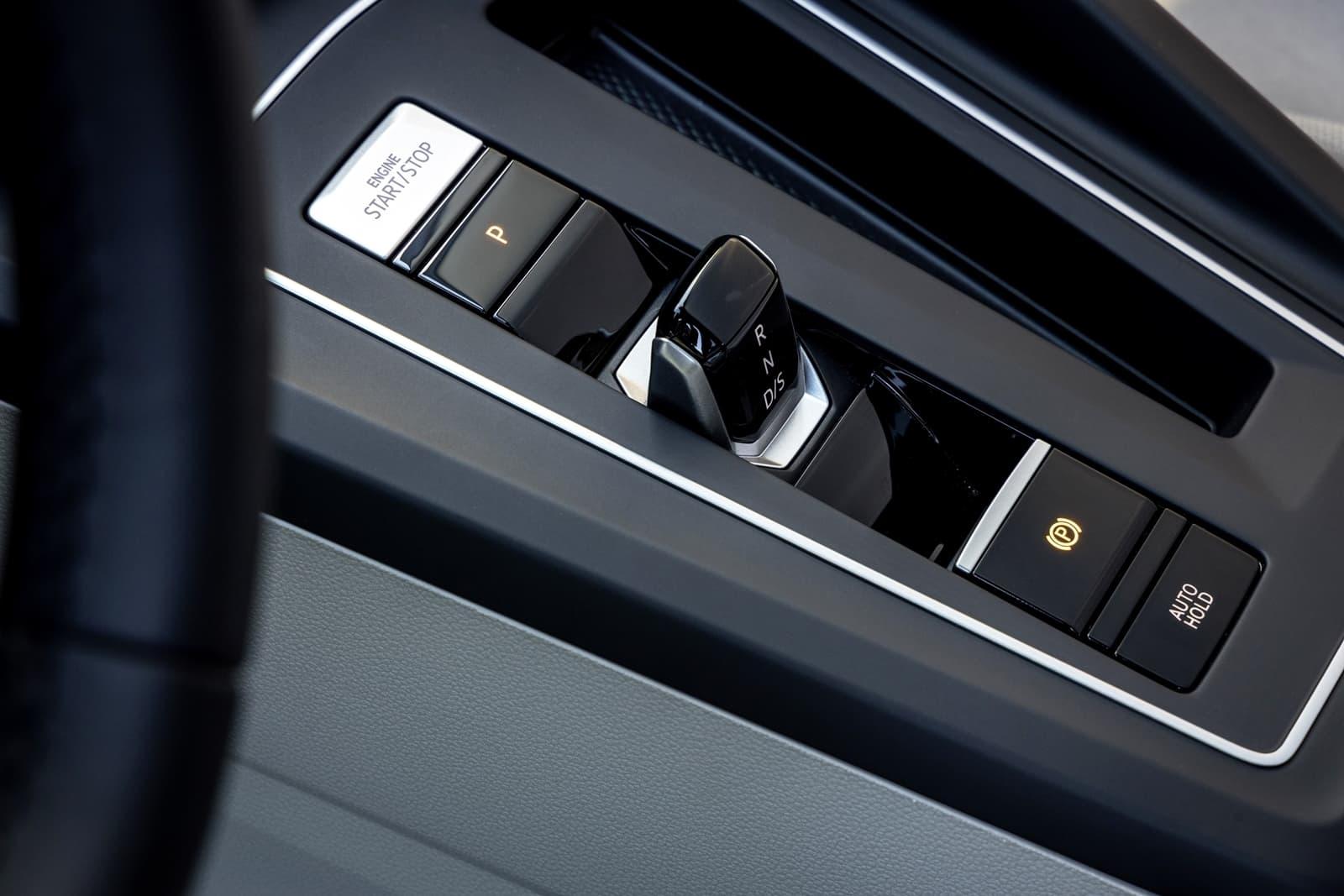 Volkswagen Golf 2020 1219 035