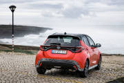 Toyota Yaris Hibrido 2020 Rojo Exterior 101 thumbnail
