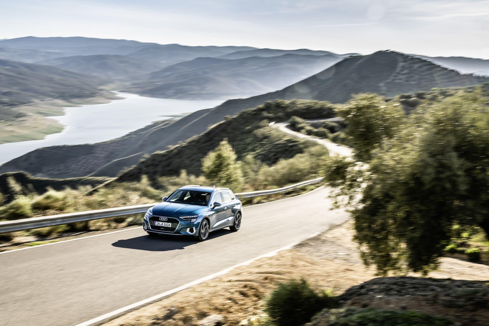 Audi A3 Sportback 2020 Azul Turbo Exterior 1