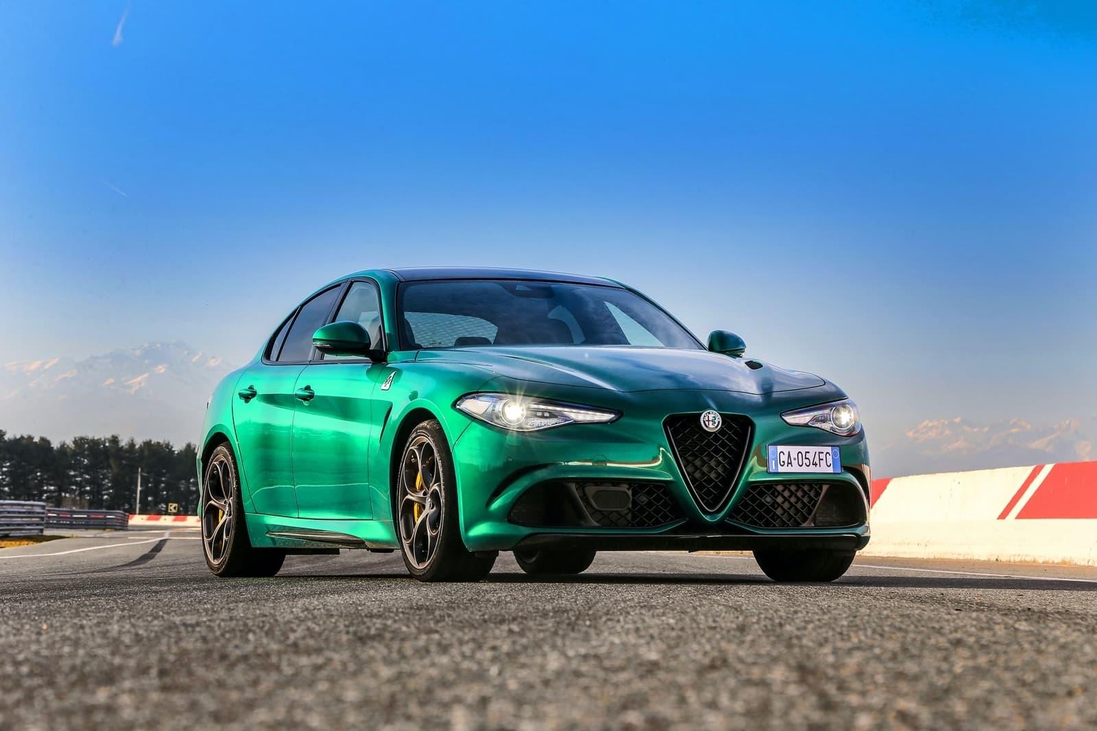 Alfa Romeo Giulia Stelvio Quadrifoglio 2020 0520 031