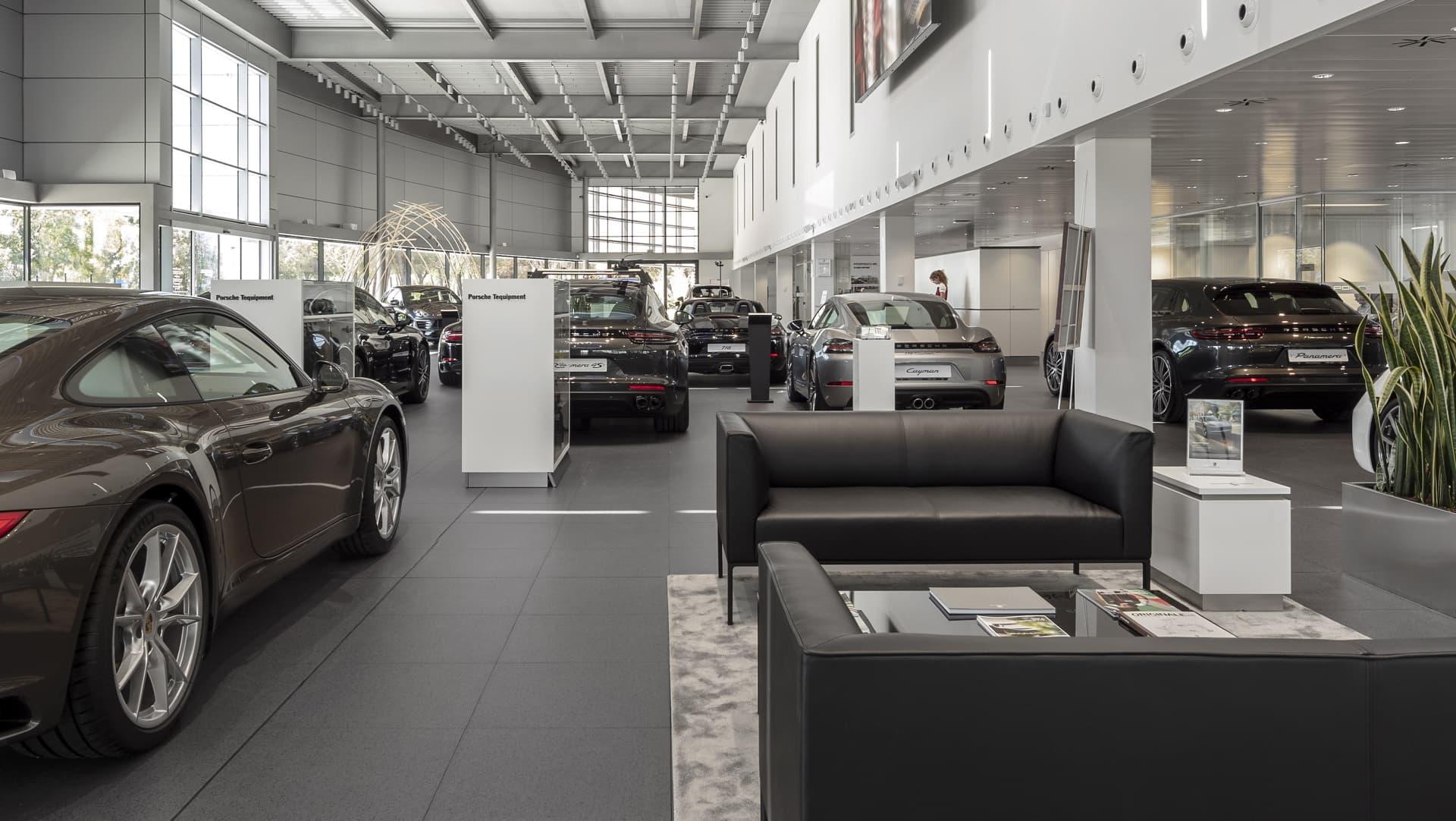 Cuanto Gastar Compra Coche Nuevo Concesionario Centro Porsche 2