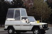 "Premiere Vor 40 Jahren: ""papamobil"" Auf Basis Der Mercedes Benz G Klasse Premiere 40 Years Ago: ""popemobile"" Based On The Mercedes Benz G Class thumbnail"