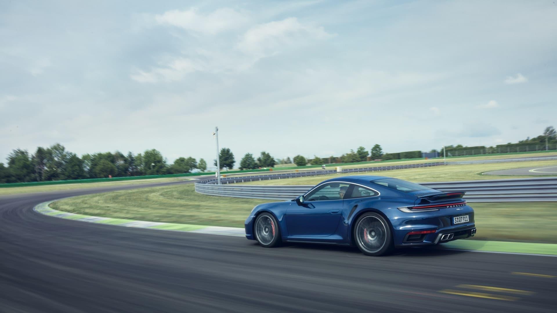 Porsche 911 Turbo 2020 Img 2