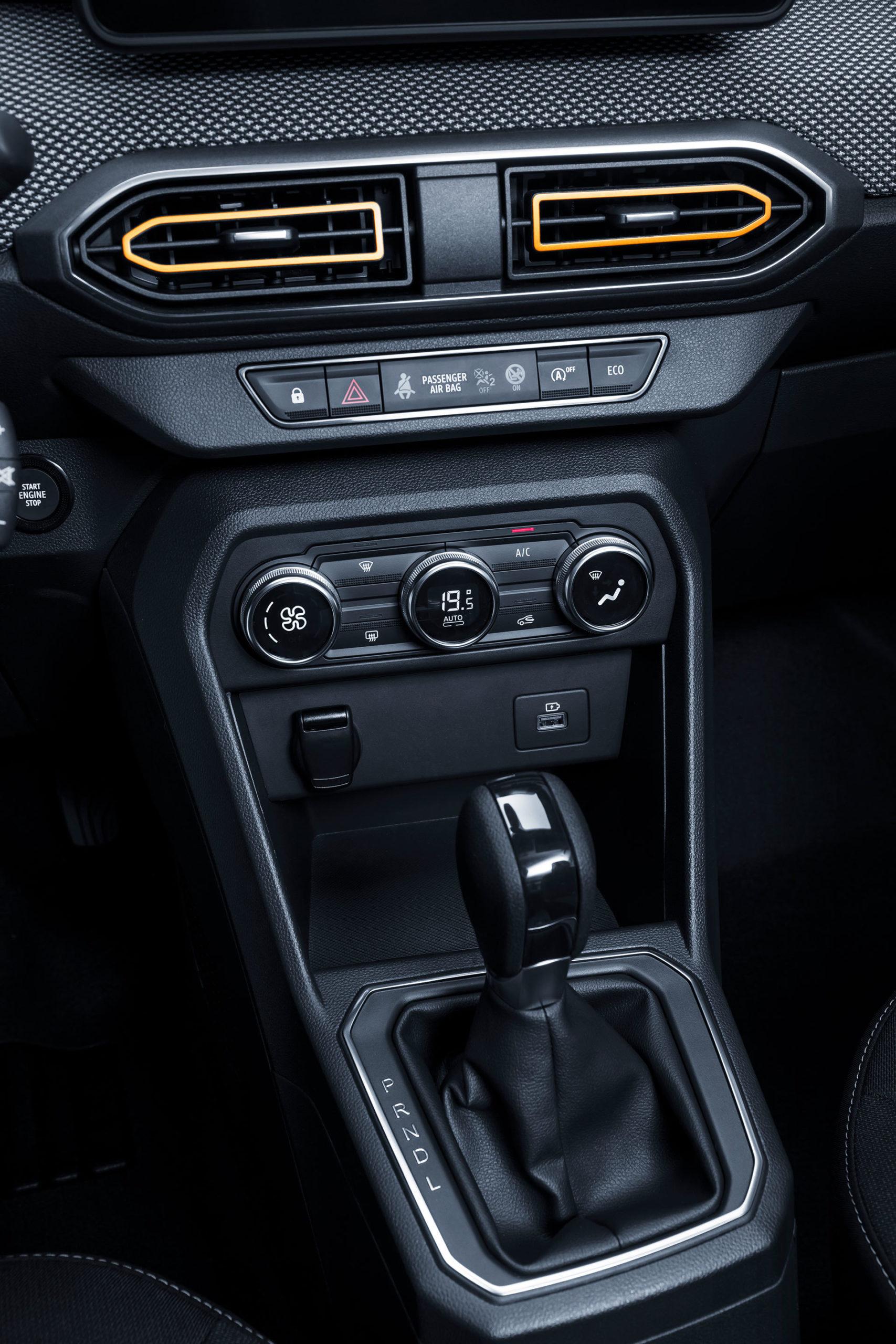 Dacia Sandero Stepway 2020 Interior 03