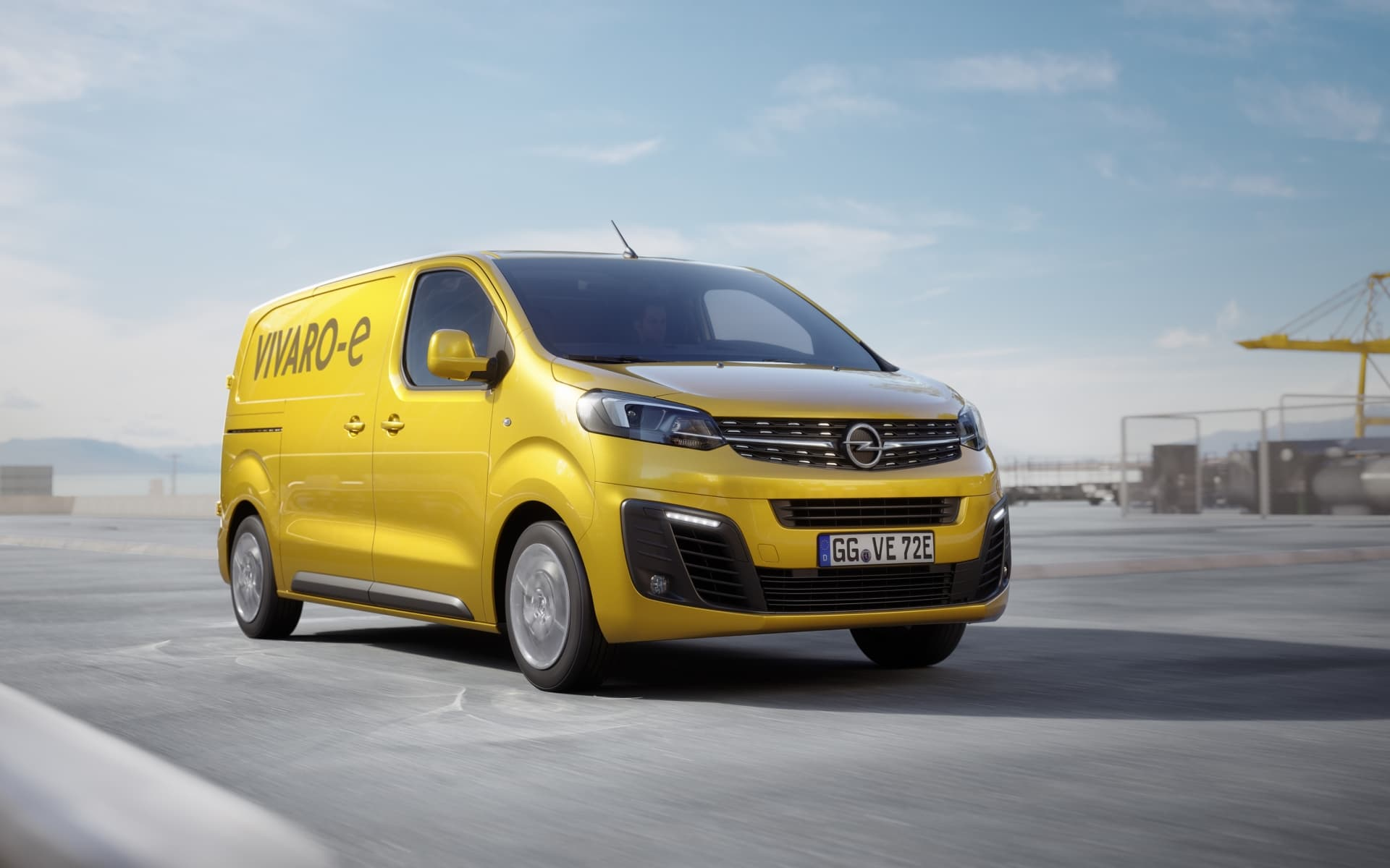 Opel Vivaro E 01