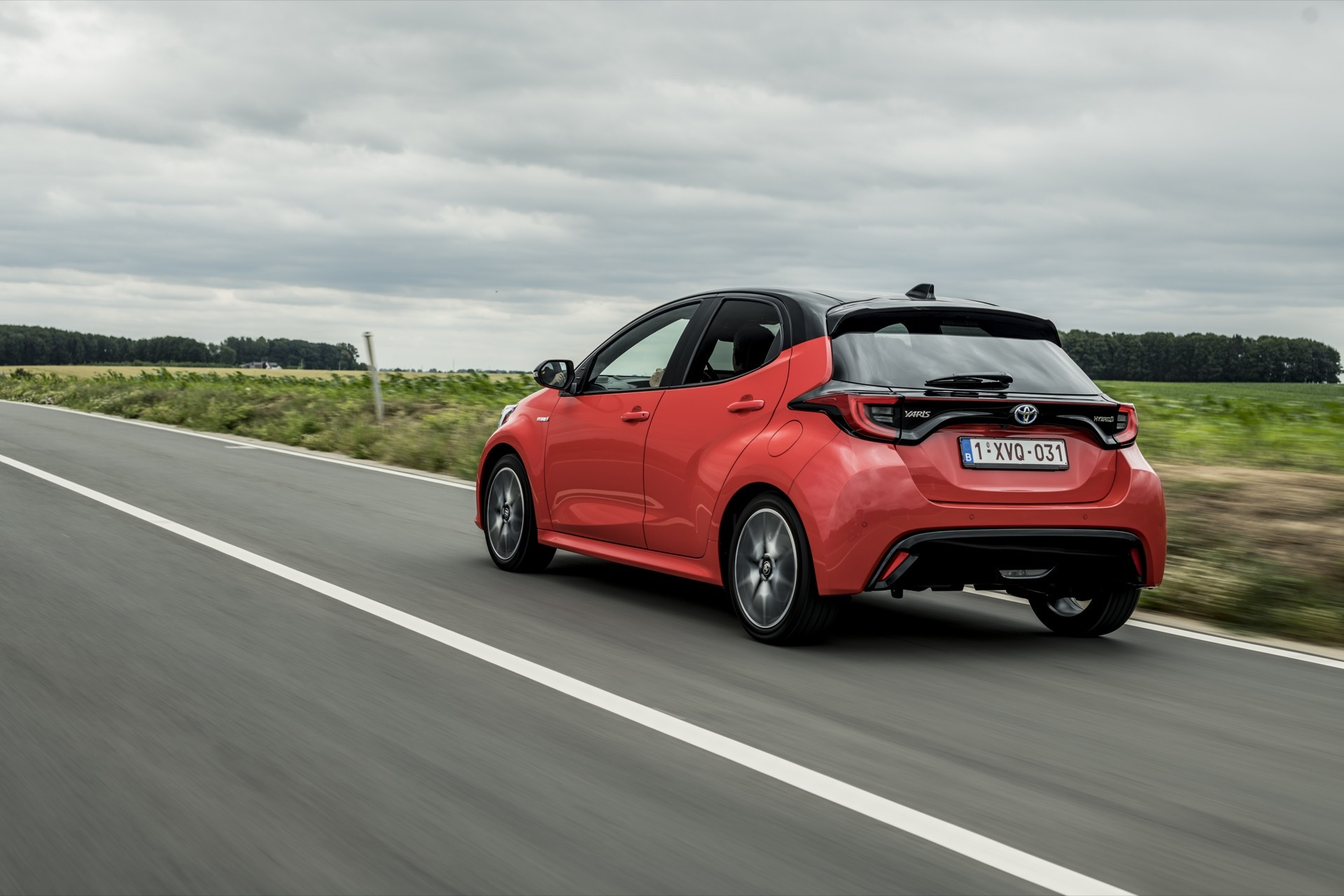 Toyota Yaris Rojo 2020 Movimiento Prueba 71
