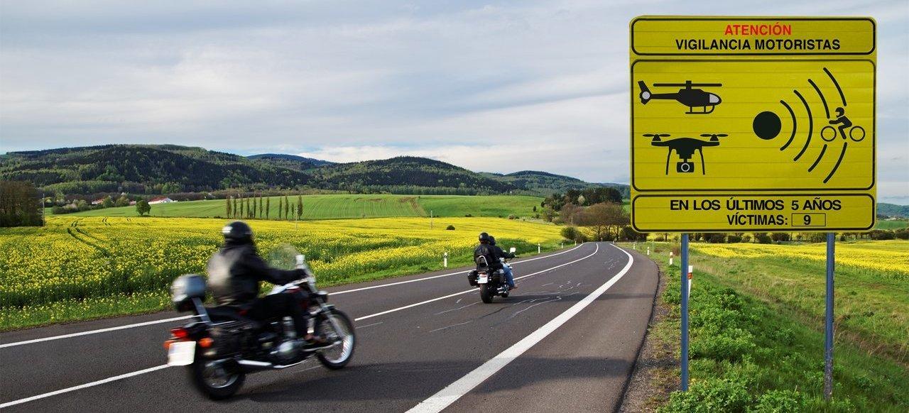 Dgt Nueva Senal Vigilancia Motoristas Carretera Portada