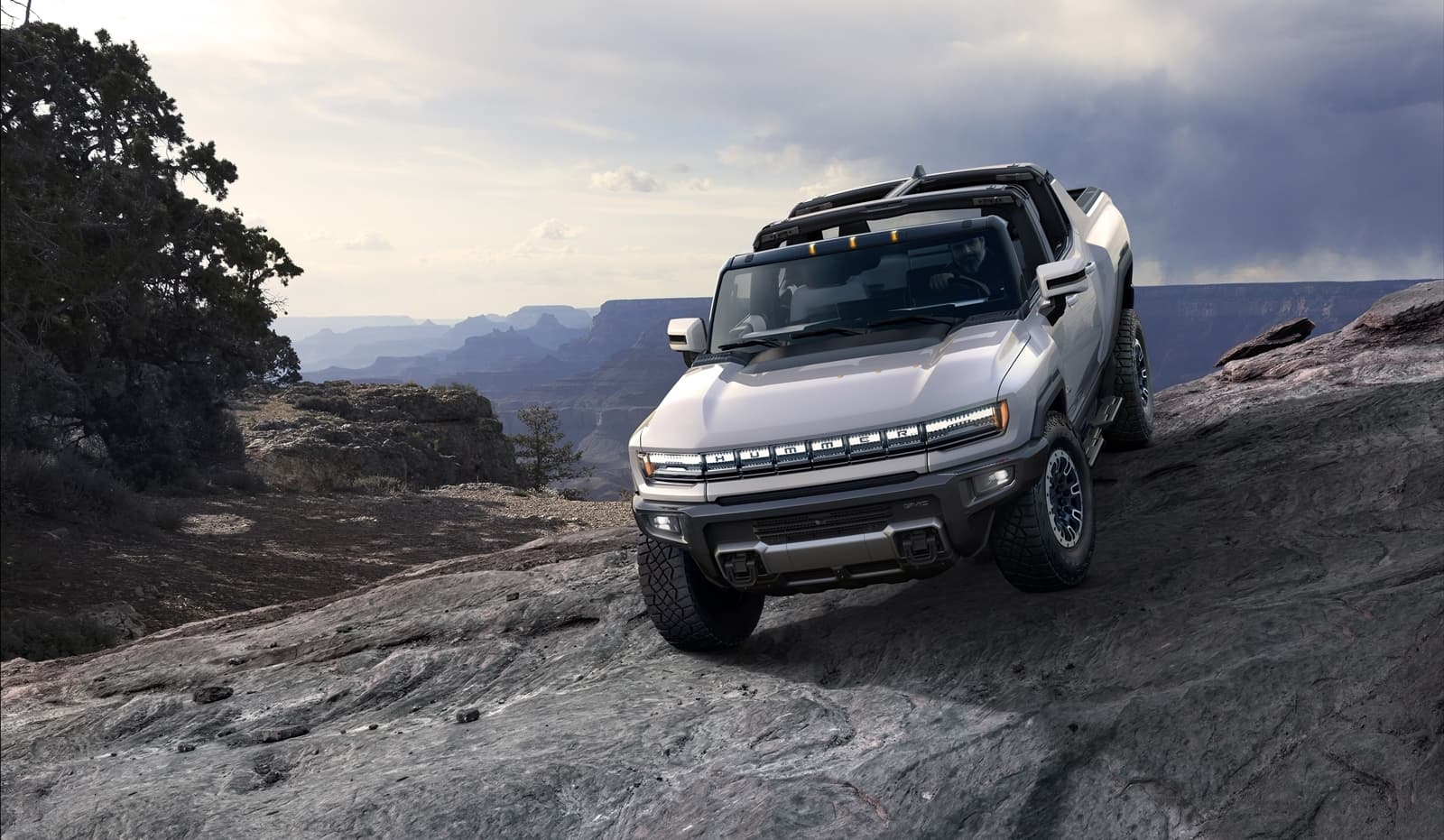 The 2022 Gmc Hummer Ev Is A First Of Its Kind Supertruck Develop