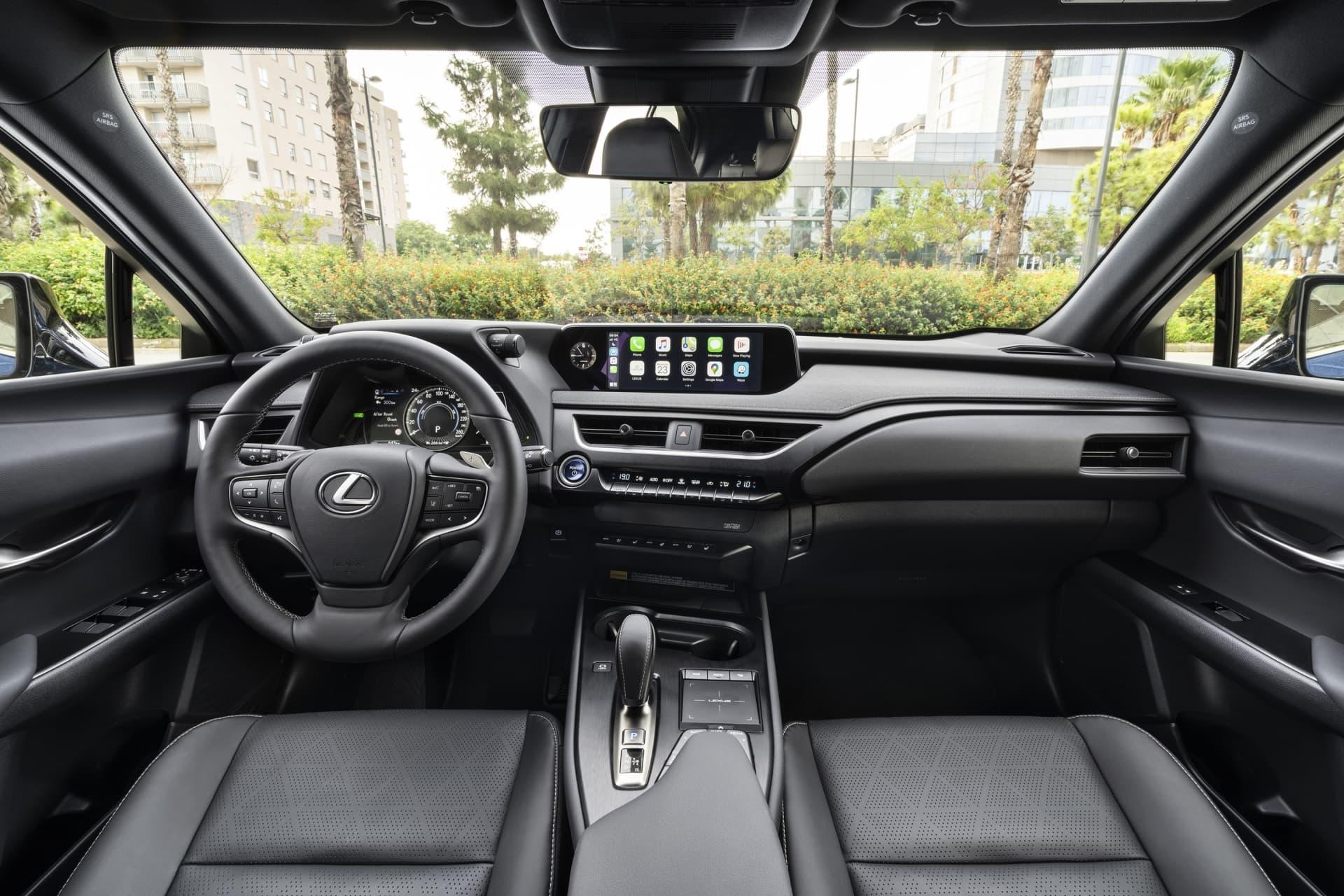 Lexus Ux 300e 11