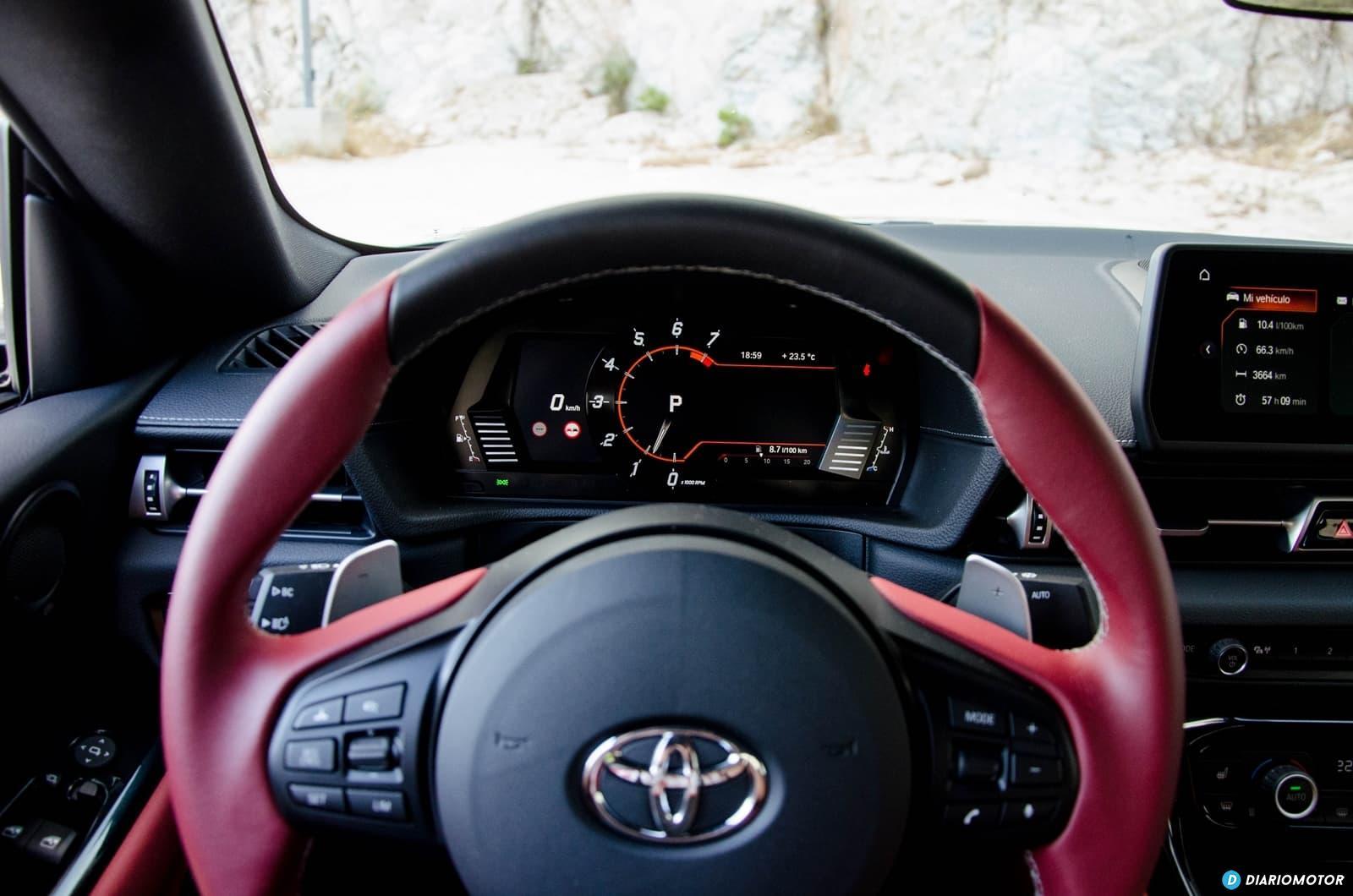 Toyota Supra A90 Edition Dcd volante y cuadro de instrumentos