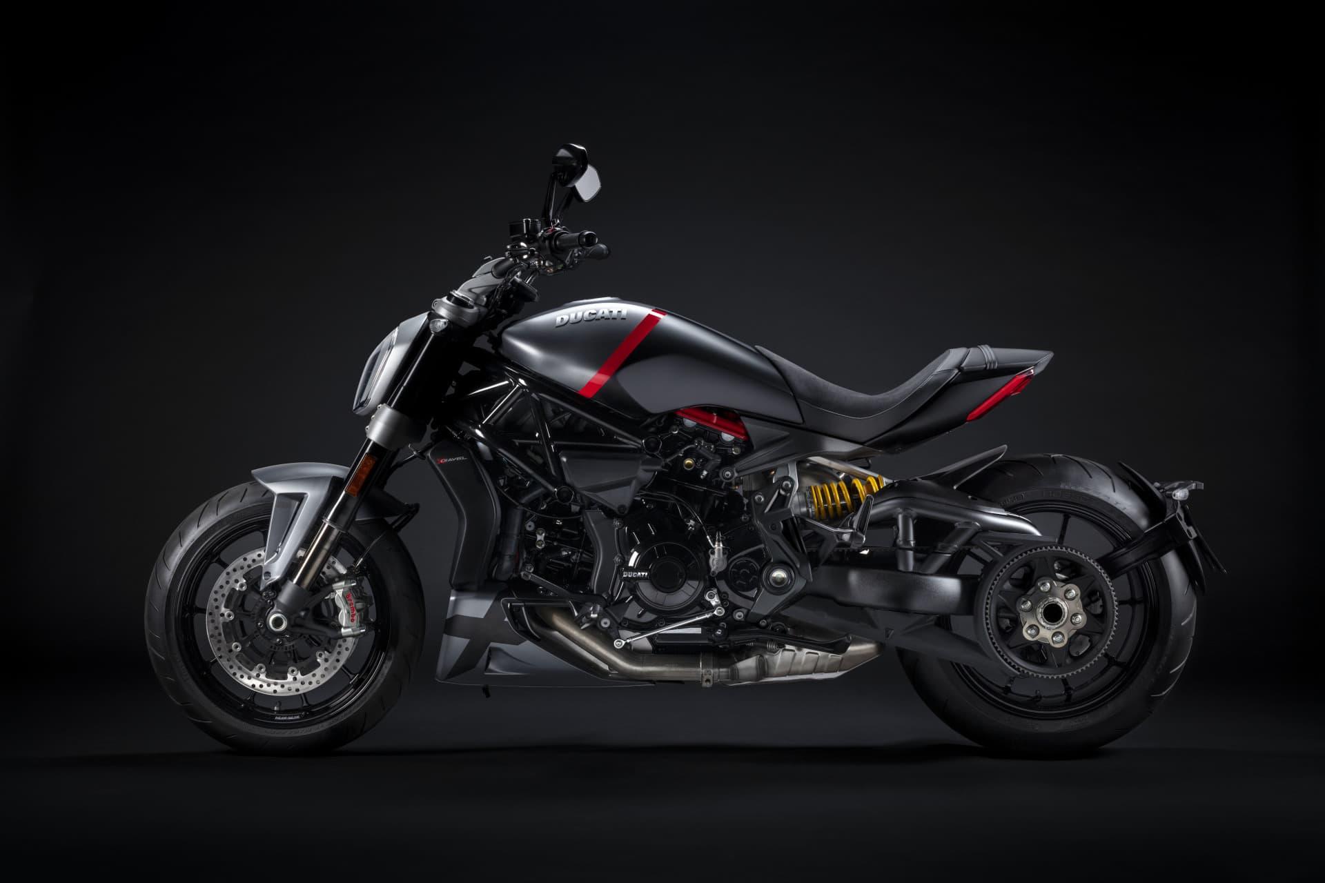 Ducati Xdiavel Black Star 2021 01