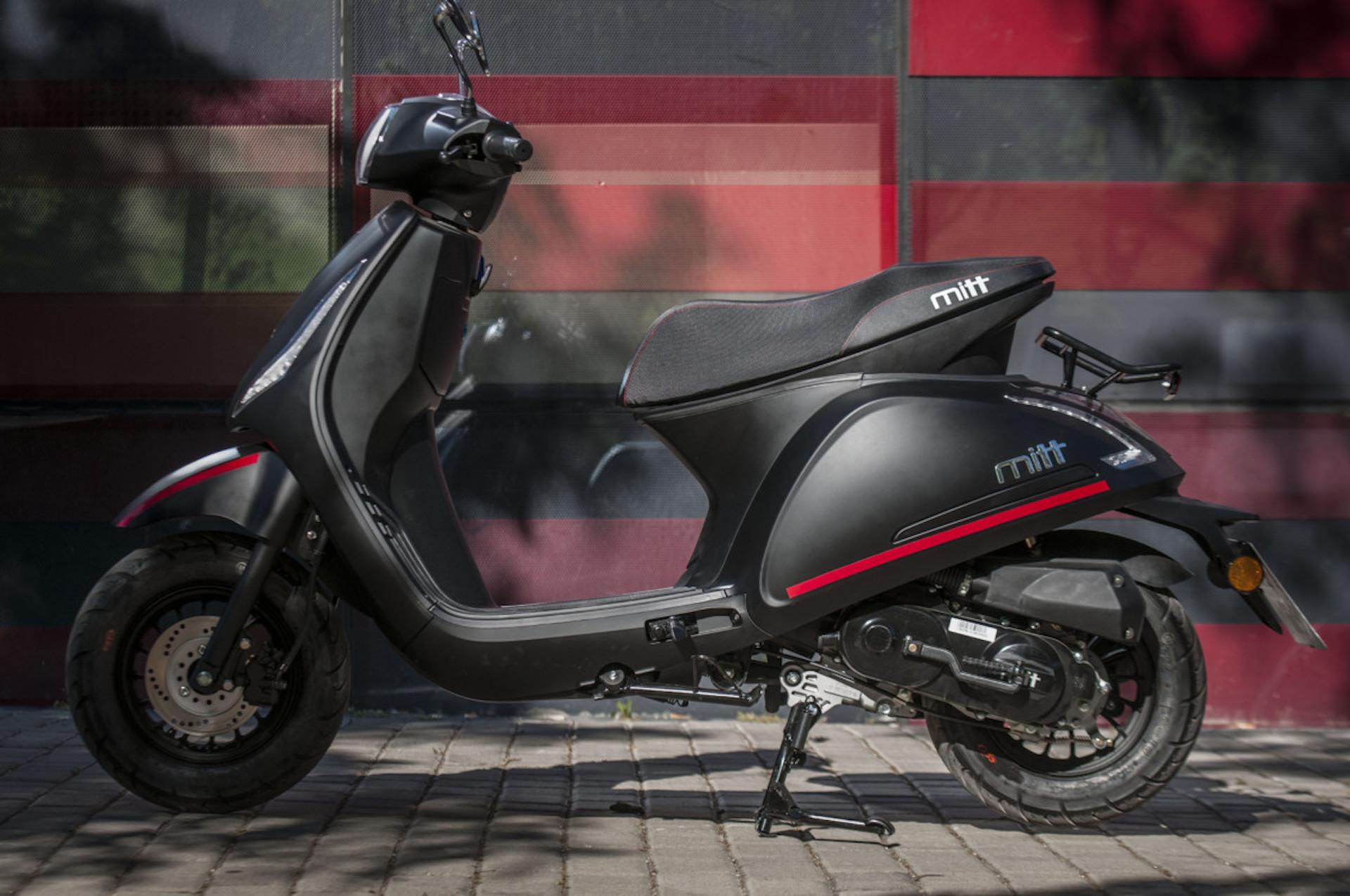Moto Mitt Negra
