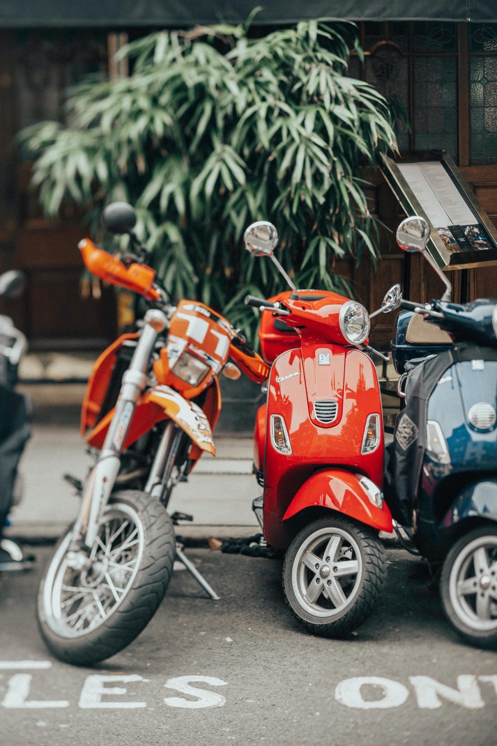 Motos Vespa Ciudad Aparcamiento