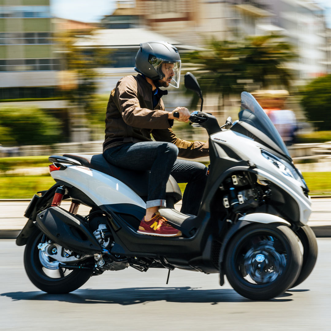 Piaggio Mp3 Scooter 3 Ruedas 04