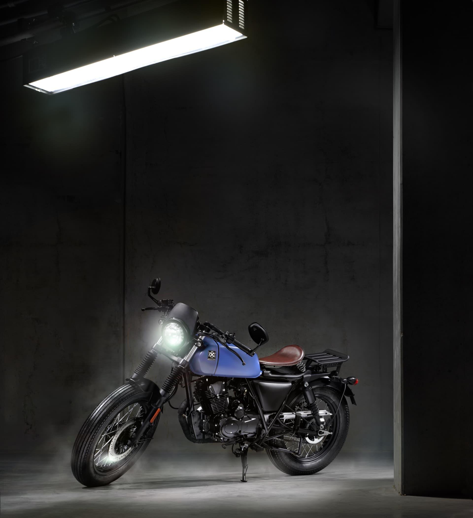 Moto Brixton Rayburn 125 Bobber 2