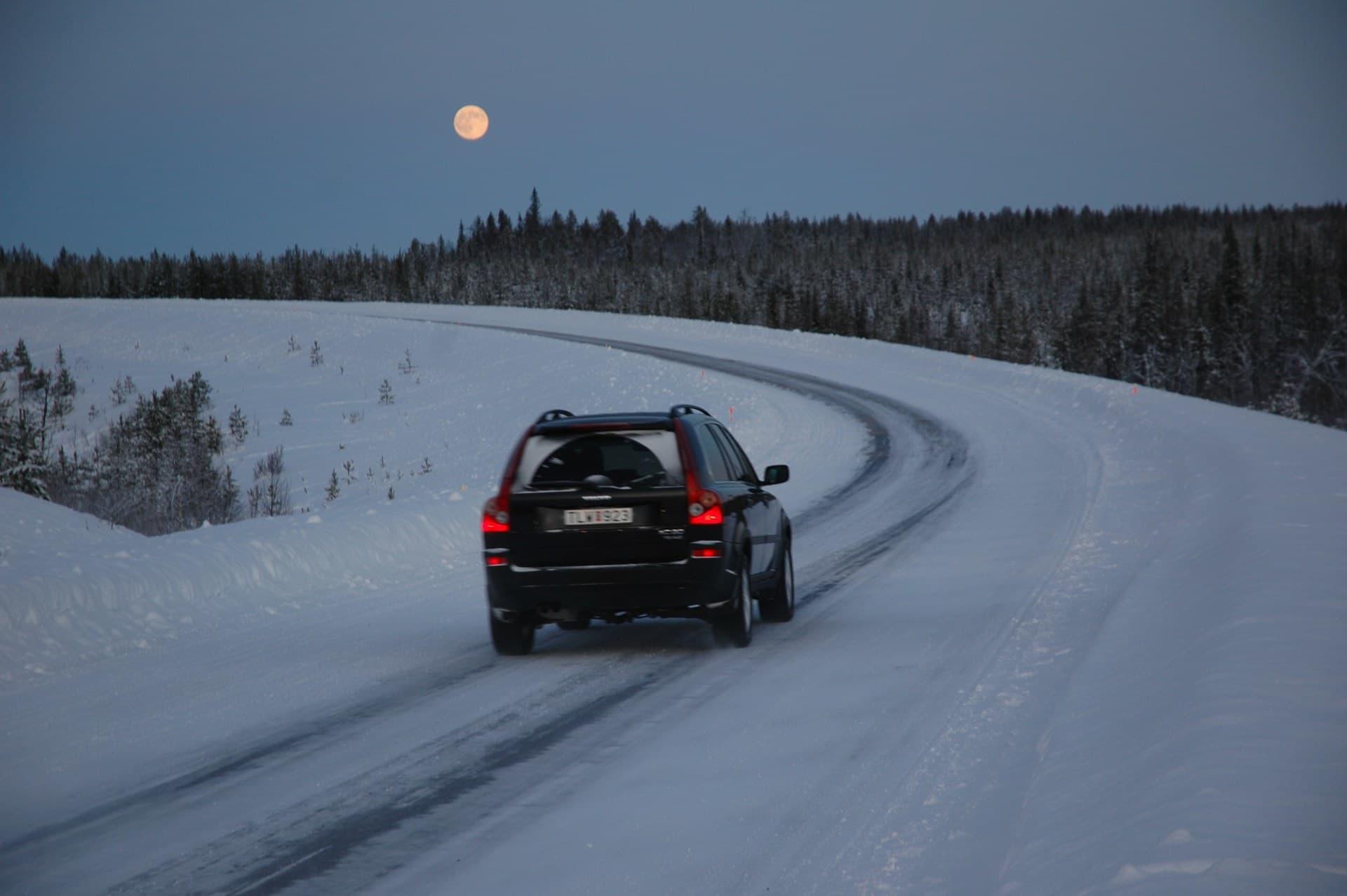 Consejos Conducir Nieve Hielo Frio Invierno Volvo Xc90 Roderas