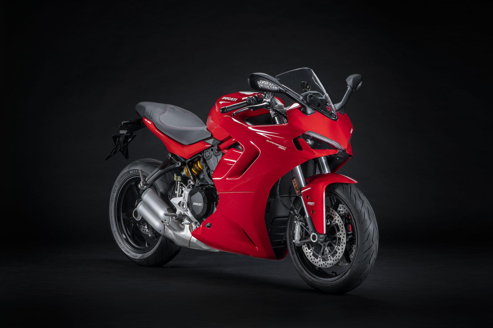 Moto Ducati Supersport 950 2