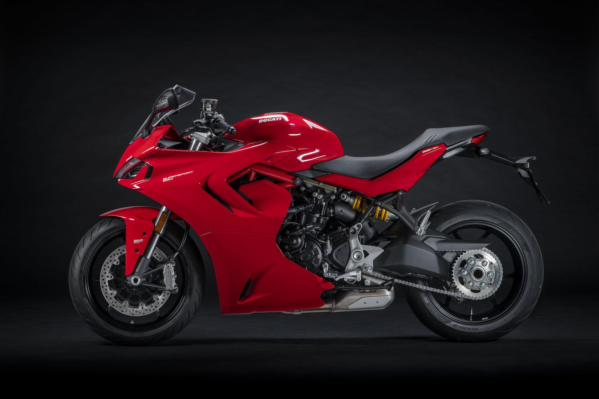 Moto Ducati Supersport 950 4