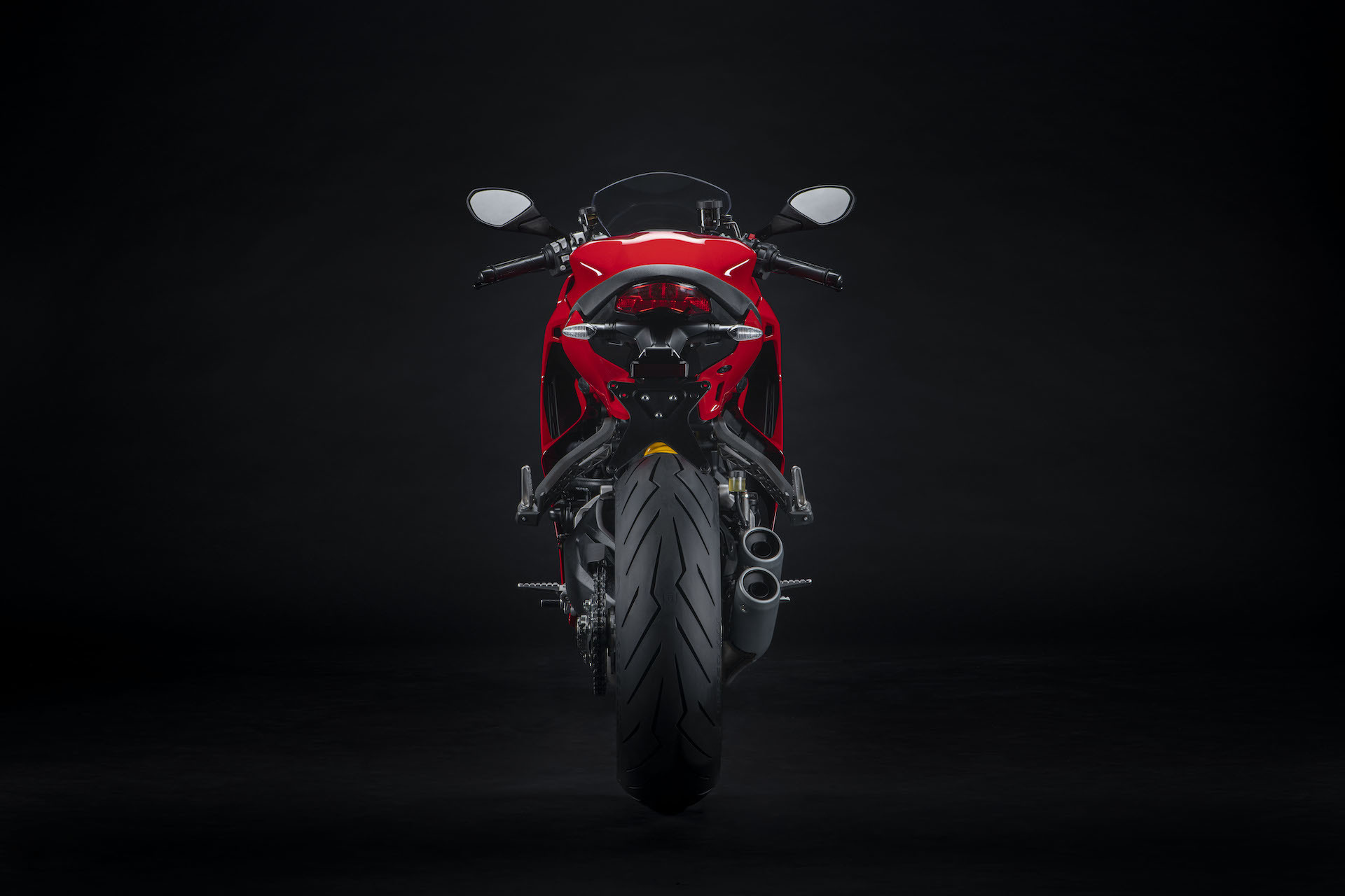 Moto Ducati Supersport 950 5
