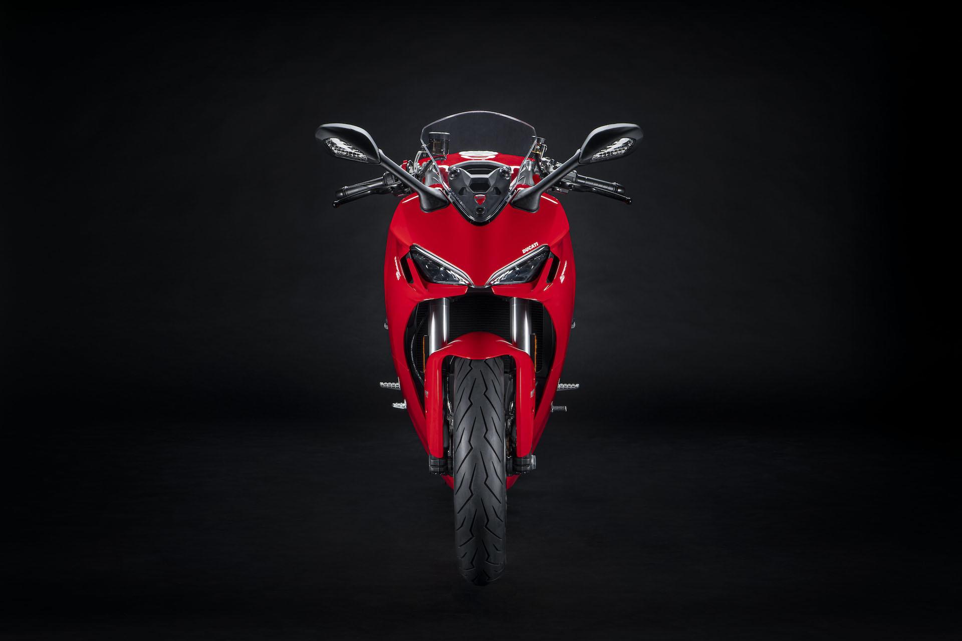 Moto Ducati Supersport 950 6