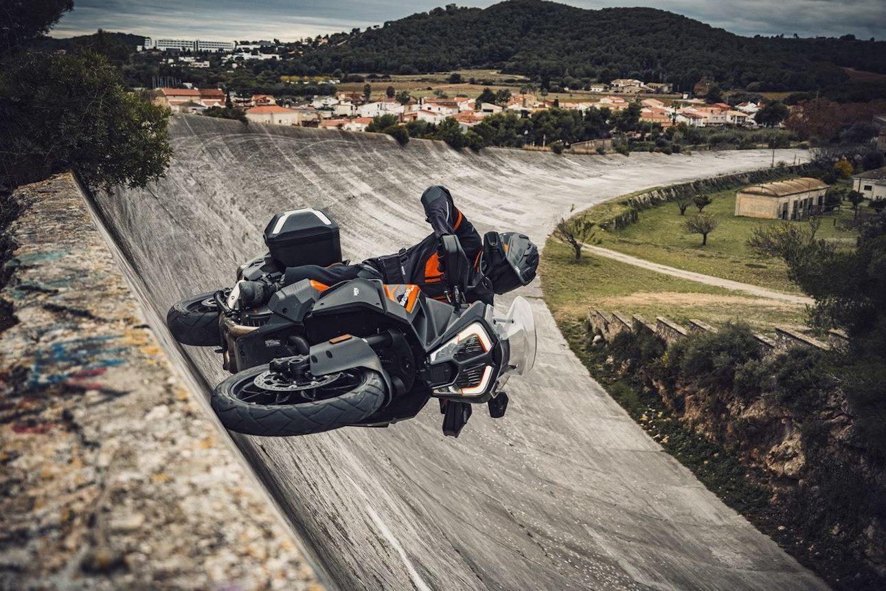Moto Ktm 1290 Super Adventure S 2021 5