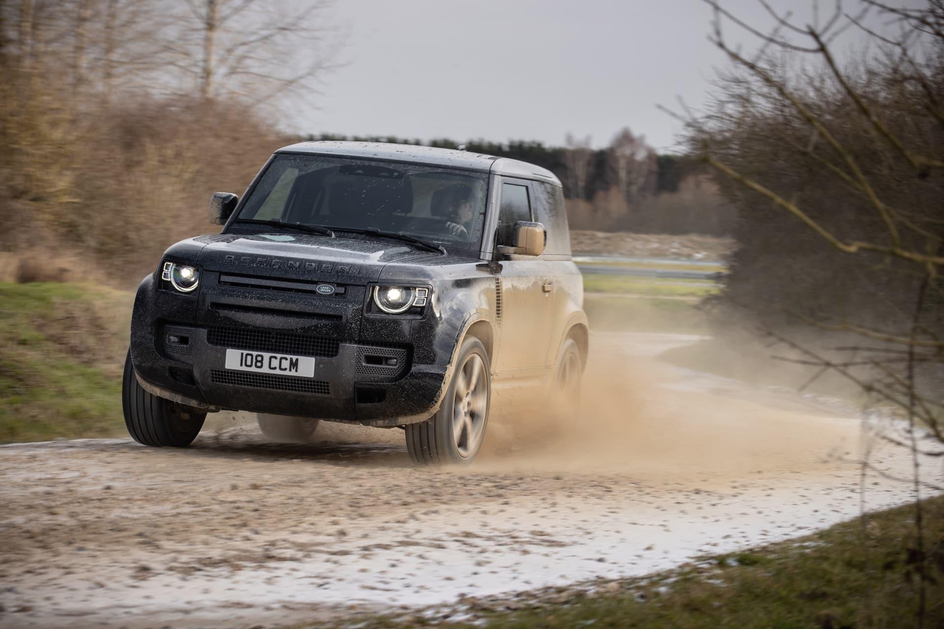 Land Rover Defender V8 2022 0221 040
