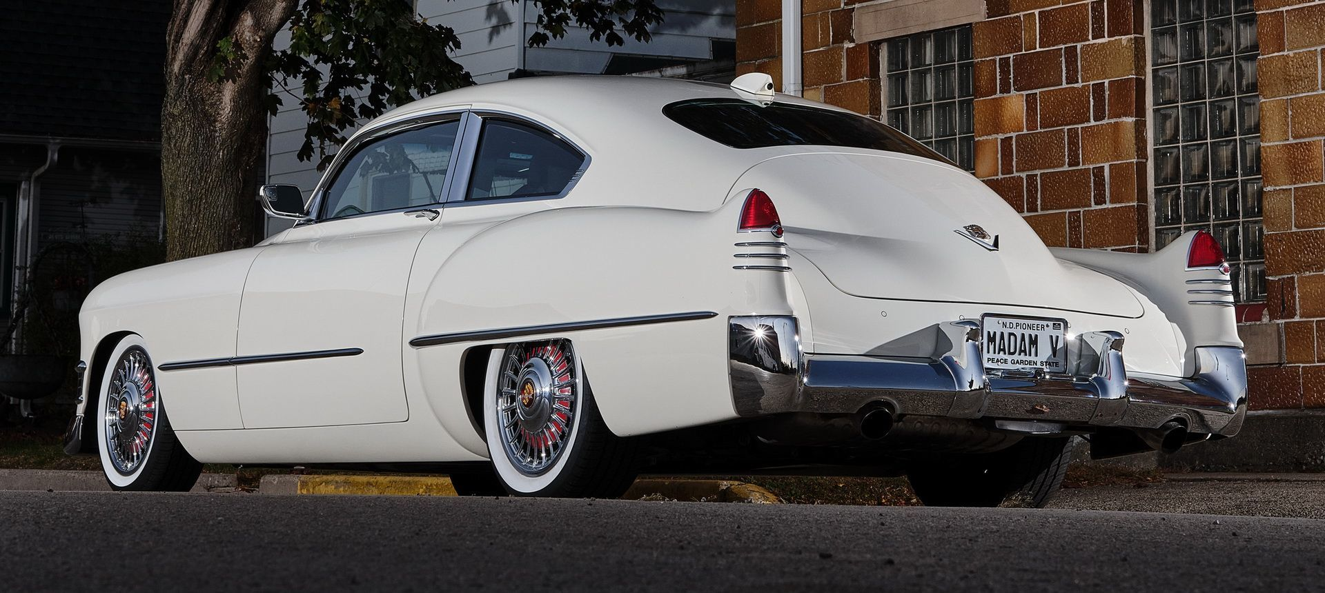Madam V Cadillac Ringbrothers P
