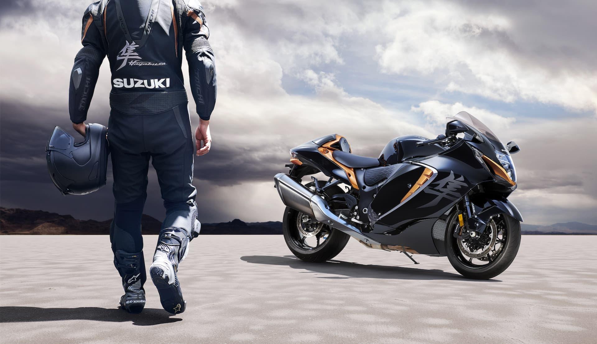 Moto Suzuki Hayabusa 2021 Accion 1