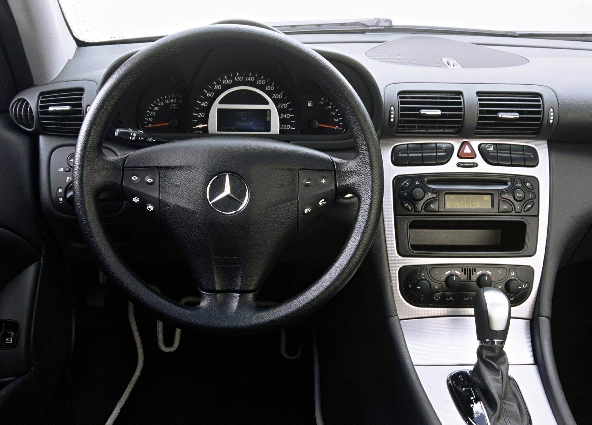 Mercedes C 30 Cdi Amg 2003 0521 003
