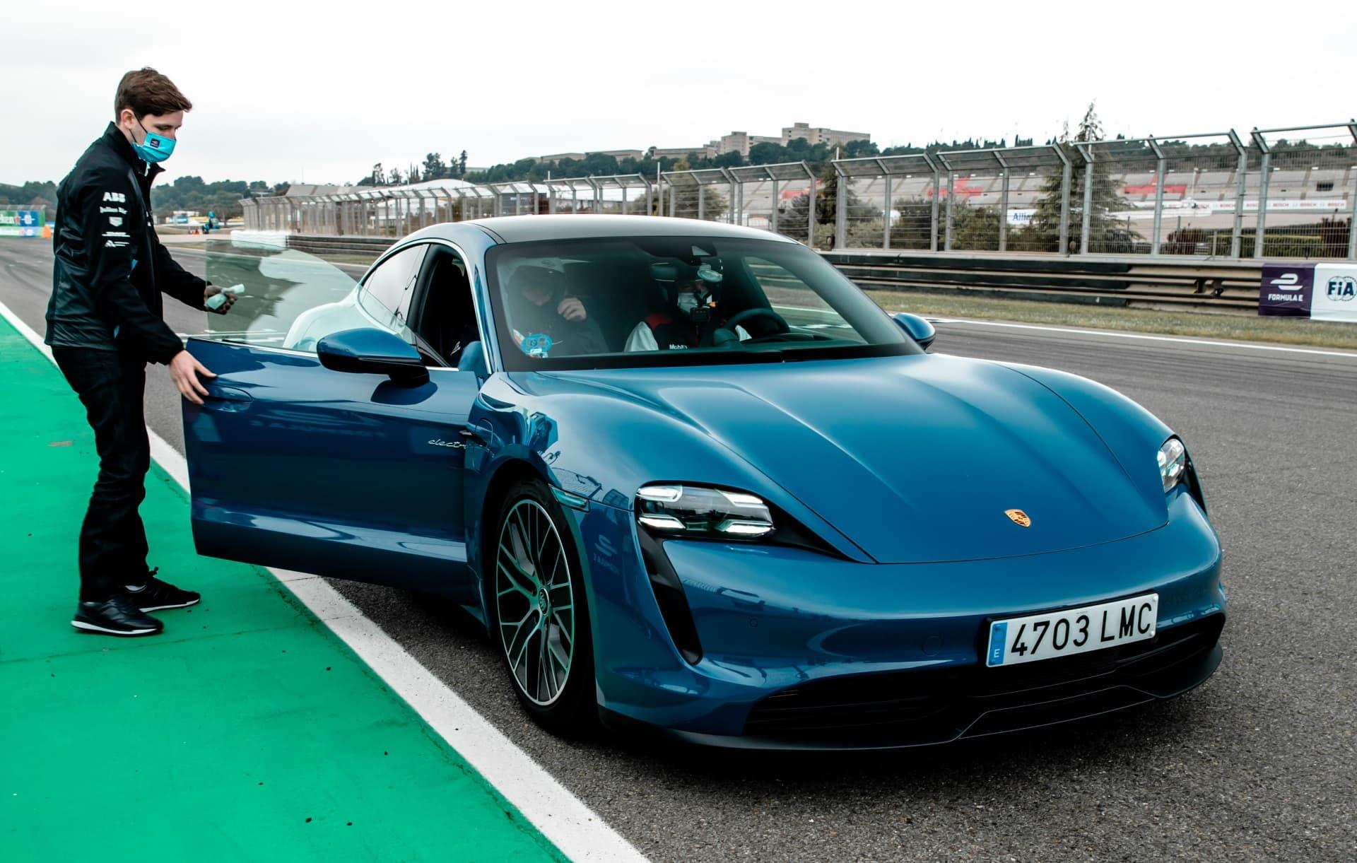 Porsche Taycan Valencia Cheste 1