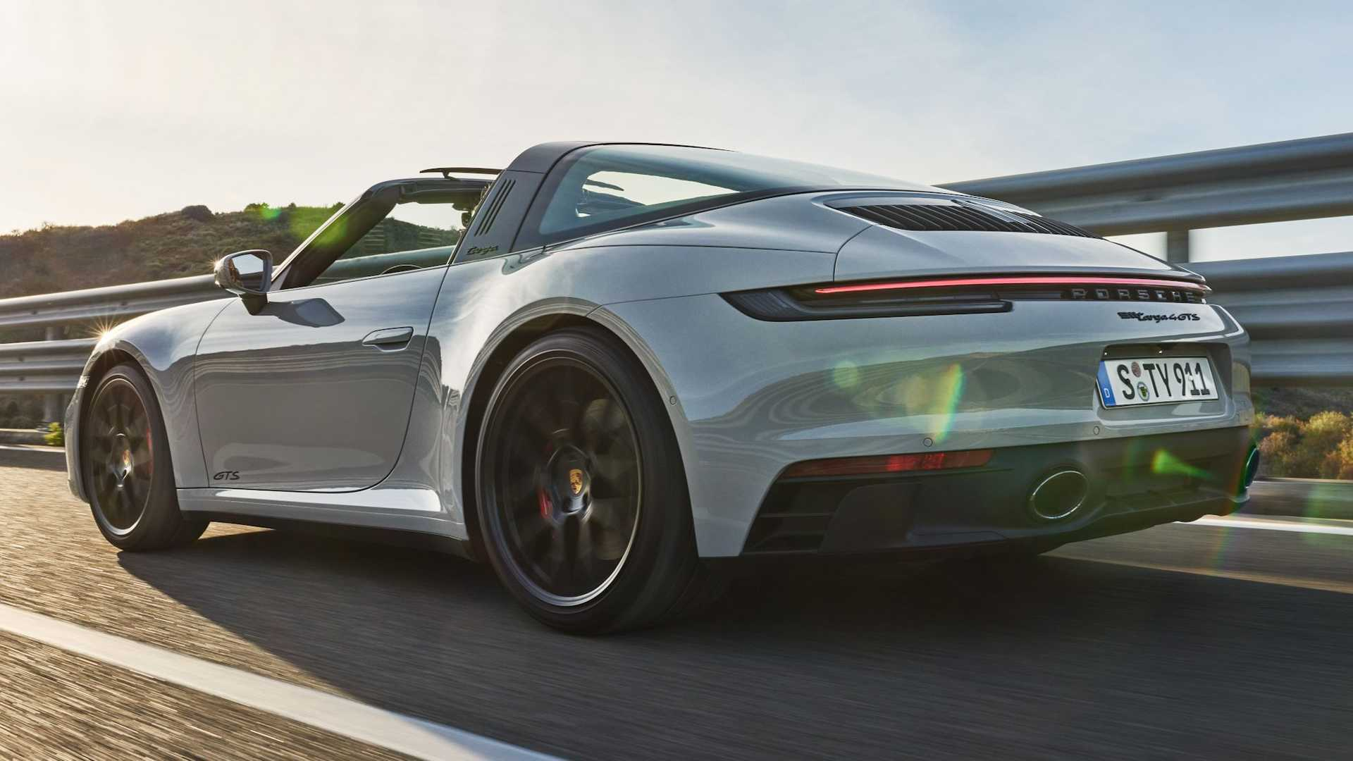 Porsche 911 Gts 011