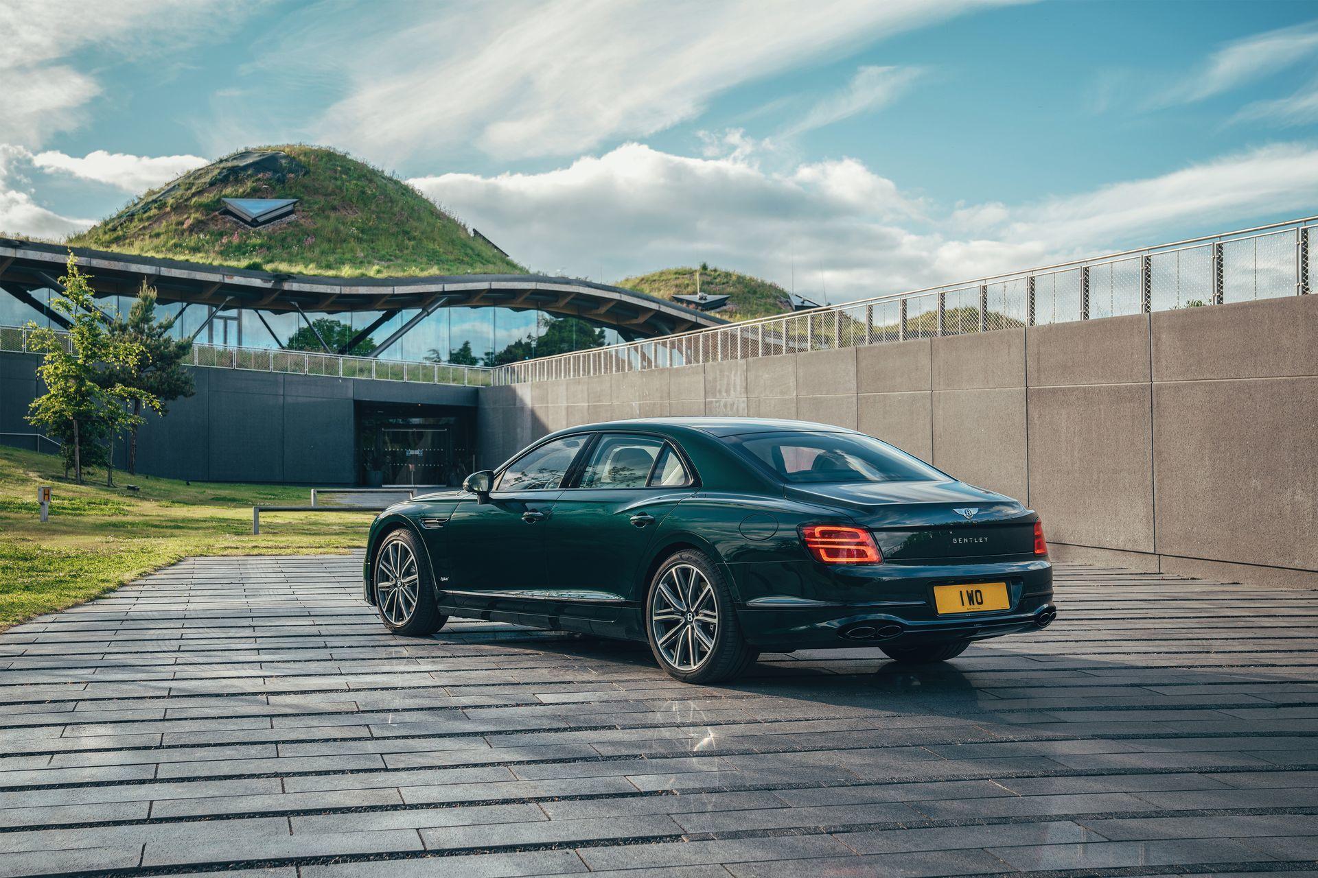 Bentley Flying Spur Hybrid 2022 11