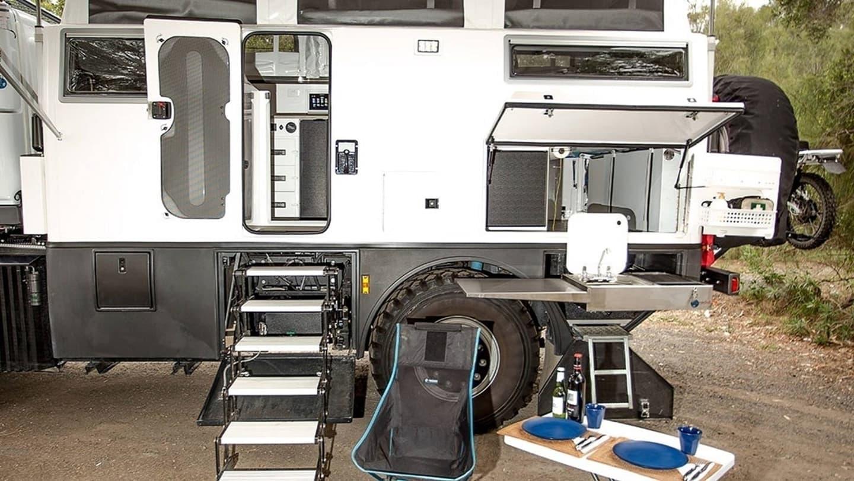 Mercedes Unimog Camper Earthcruiser 0721 003
