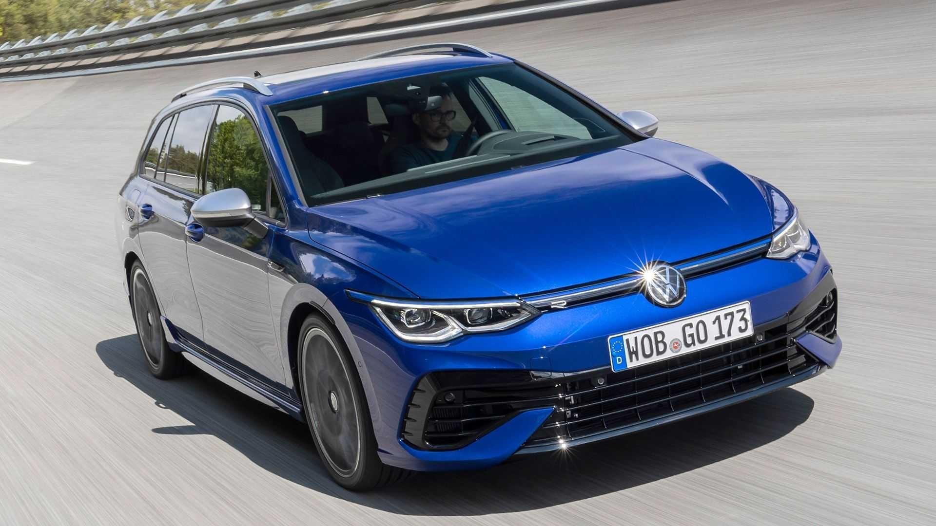 Volkswagen Golf R Variant 2021 0621 014