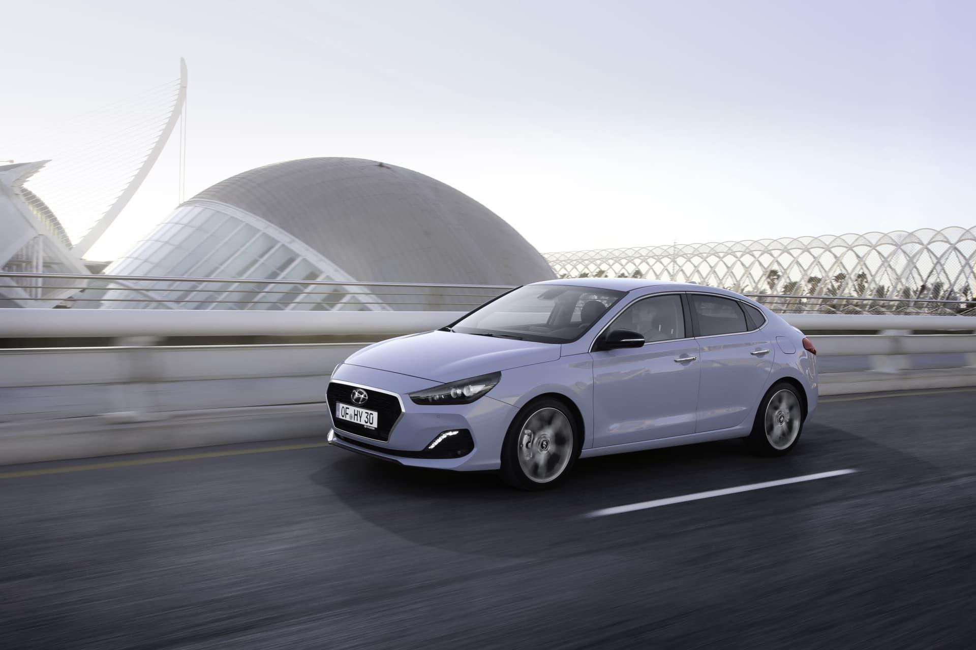 Hyundai I30 Fastback Oferta Agosto 2021 05 Exterior