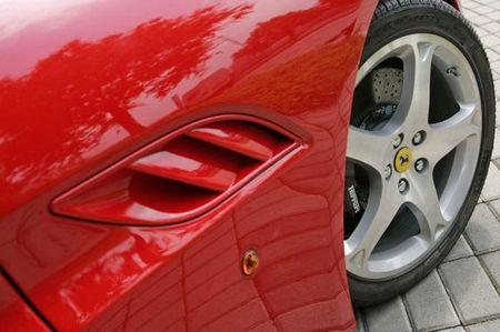 Más imágenes del Ferrari California, completamente al descubierto