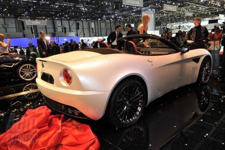 Alfa 8C Spider, el cabrio deportivo en Ginebra