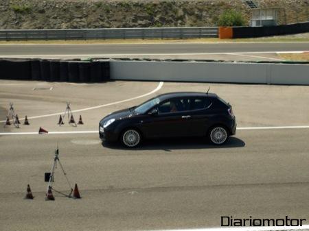 Alfa Romeo Mi.To, prueba del frenado de emergencia