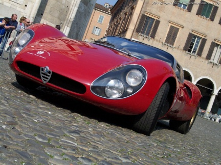 Clásicos coupés italianos: Alfa Romeo 33 Stradale