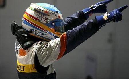 Alonso vuelve a lo más alto del podio