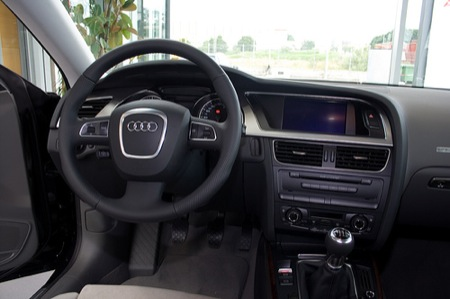 Audi A5, nuevas fotos con vistazo al interior a fondo