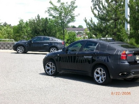 BMW X6 con extraño camuflaje, ¿versión M o Hybrid?