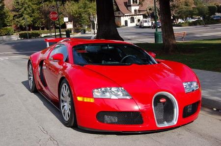Bugatti Veyron, ahora en rojo