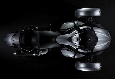 BRP Can-Am Spyder, nueva moto de tres ruedas