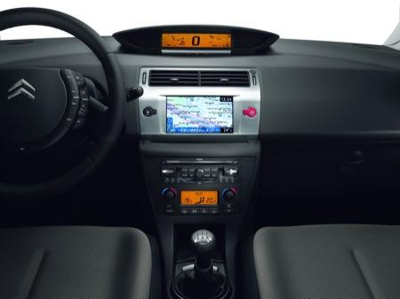 Lavado de cara del Citroën C4, con nuevos motores 1.6