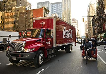 Coca Cola incrementará su flota de camiones de reparto híbridos