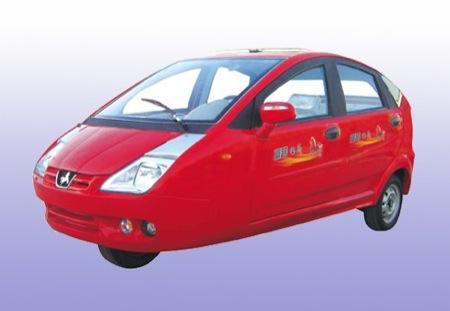 Clones chinos en tres ruedas: Peugeot 206, Chevrolet Matiz y Toyota Prius