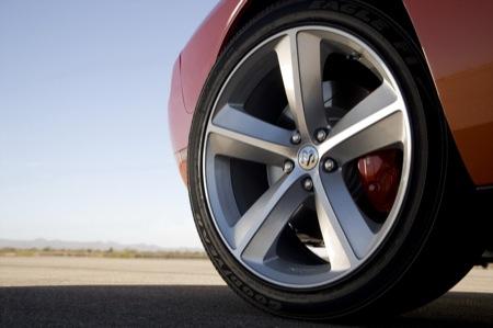 Primeras imágenes oficiales del Dodge Challenger SRT8